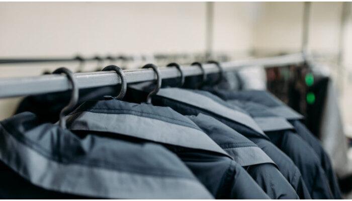 Как хранить шерстяное пальто?